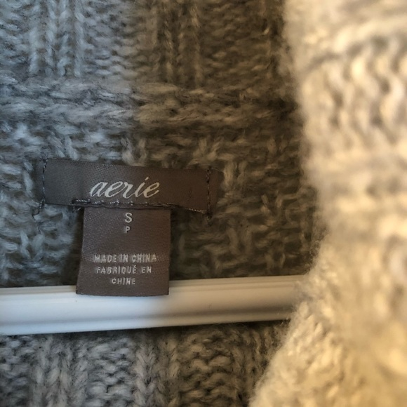Beautiful soft grey Aerie sweater.